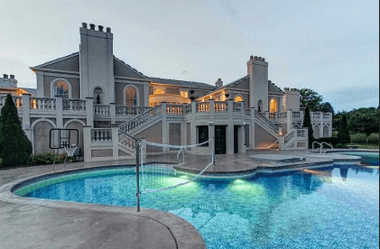 10 of the Largest US Homes for Sale