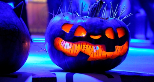 5 Spooktacular Ways to Dress Up Your Home for Halloween