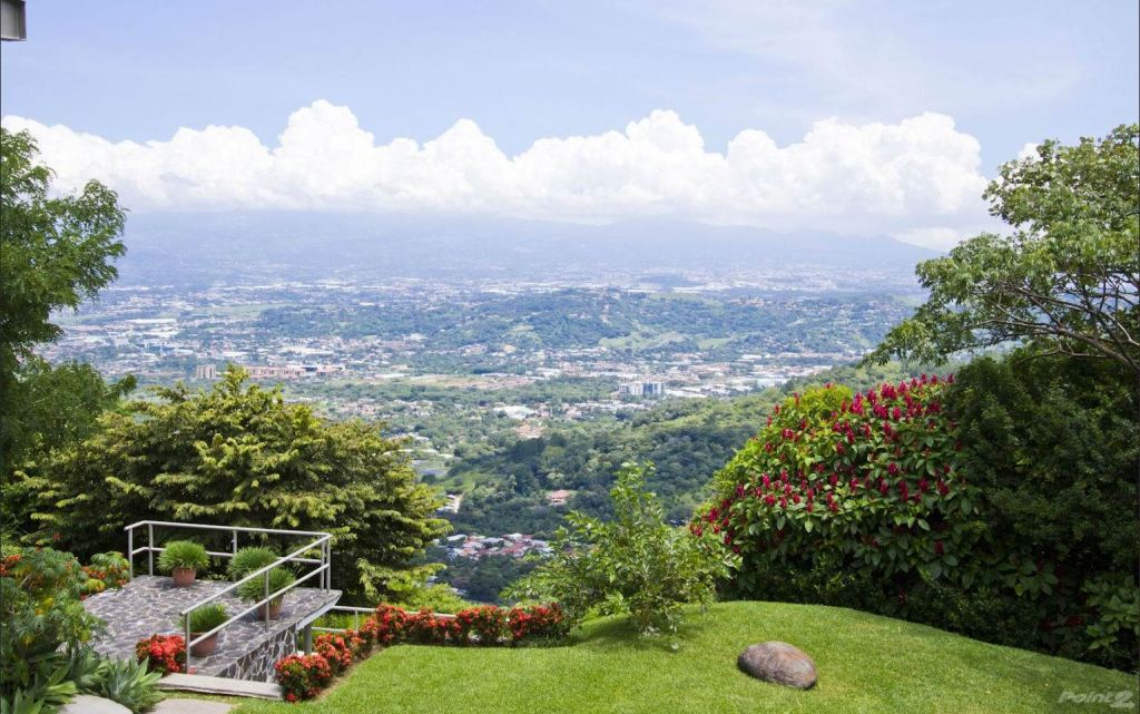 Moving to Costa Rica: Guide to Buying a Home