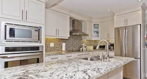 5 Mississauga Homes for Sale with Delightful Kitchens
