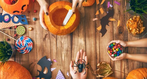 How to Throw the Best Pumpkin-Carving Party for Friends and Neighbours