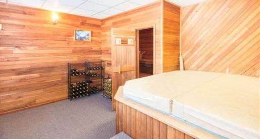 5 Lovely Homes for Sale in Canada with Cozy Saunas