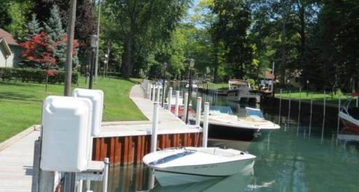 5 Great Homes for Sale in Canada with Boating Facilities
