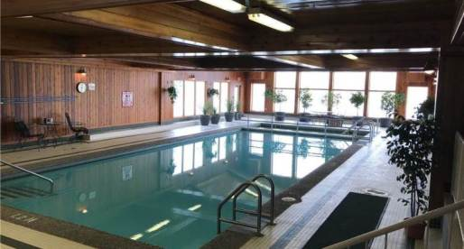 5 Nice Homes for Sale in Canada with Inviting Indoor Pools