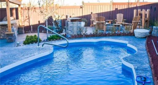 5 Canadian Properties for Sale with Enticing Outdoor Pools