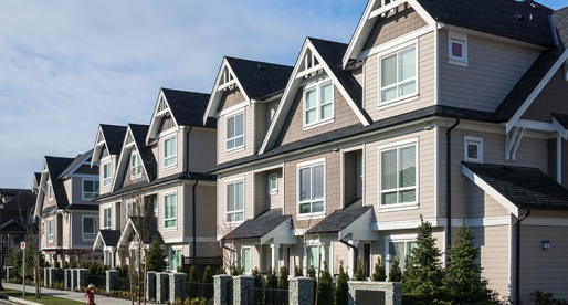 Canadians Perceive the Housing Market as Balanced