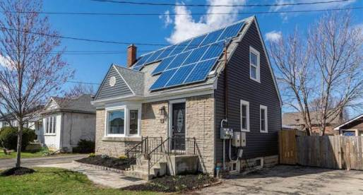 3 Fantastic Canadian Homes for Sale with Solar Panels