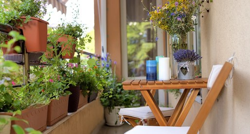 6 Easy Tips to Upgrade Your Balcony This Spring