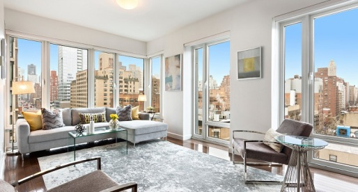 Condo for Sale in Manhattan: Bright & Sophisticated