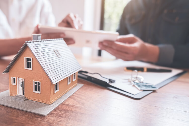 5 Ways in Which Having a Lien on Your Property Can Impact Selling It - Point2 News