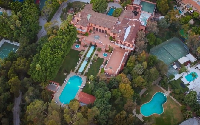 Famous Houses: The Beverly House, a Hollywood Legend in Beverly Hills