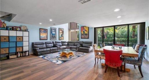 Rental of the Week: Stylish Townhouse Just Steps Away from the Beach