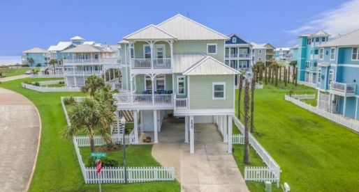 House of the Week: Two-Story Beachy Beauty in Galveston, TX